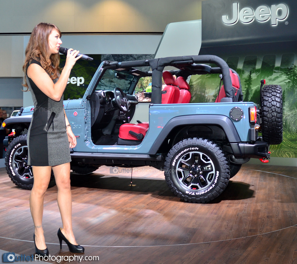 Jeep Presented By A Cute Promotional Model Flash Slightly - Jeep car show near me