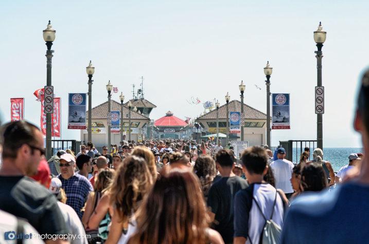 Huntington Beach Pier crowds